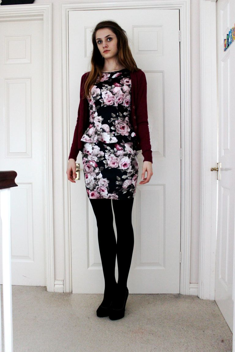 Cardigan: New Look Dress: New Look Heels: New Look